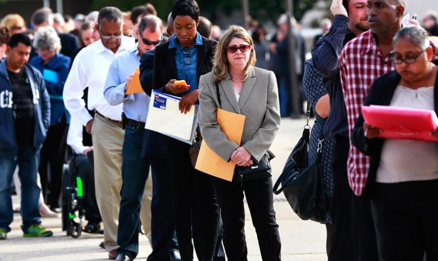 Рекордные 6,6 миллиона американцев ищут пособие по безработице