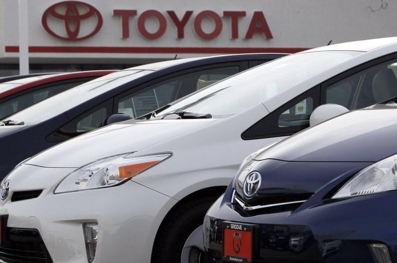 Toyota останавливает работу на 5 заводах в Японии