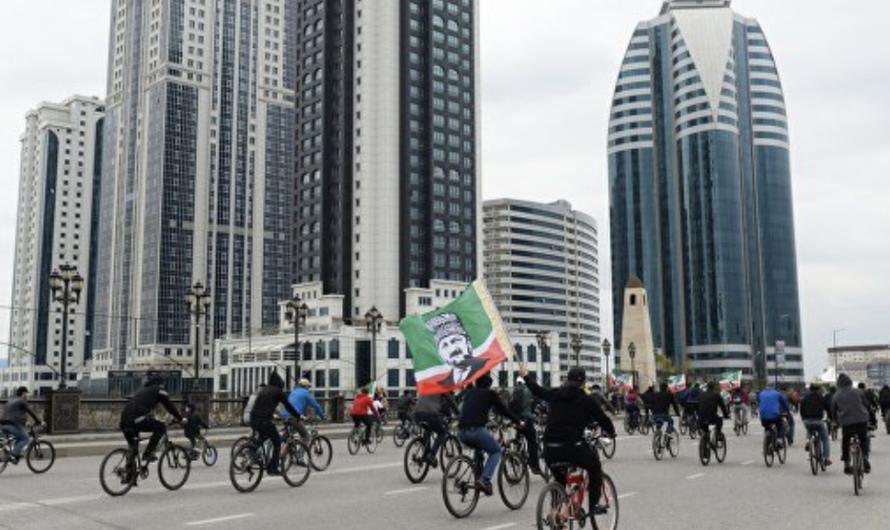 В Республике Чечня патрули на улицах начали проверку горожан