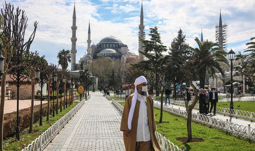 На 3 дня в Турции вводится комендантский час